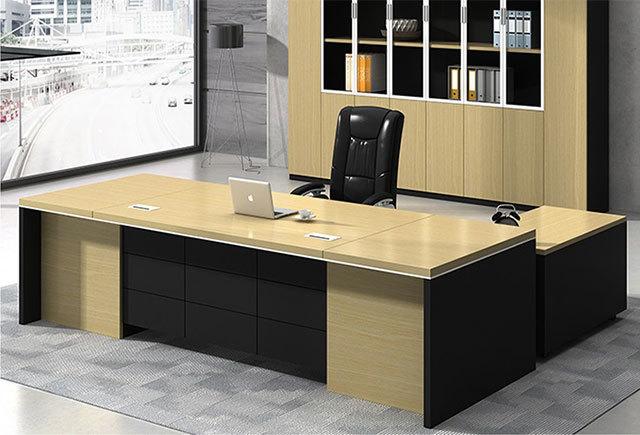 白色调的办公家具